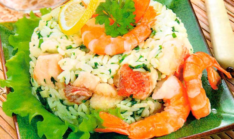 Рис с креветками и окунем
