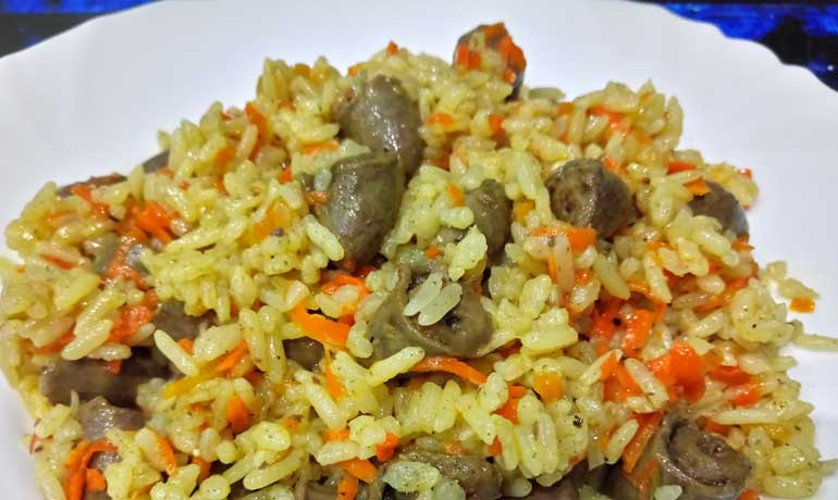 Куриные сердечки с рисом2